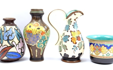 (-), 4 pottery objects consisting of a South...