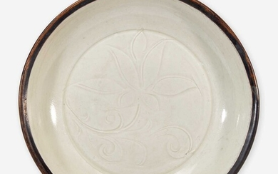 """A small Chinese Dingyao incised """"Lotus"""" dish 定窑刻划莲花小盘 Song Dynasty 宋"""