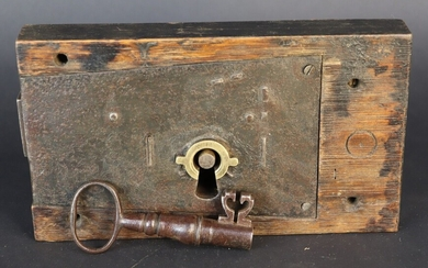 Wooden safe lock. Mechanism, metal barrel. Complete with its key. Second half of the 19th century
