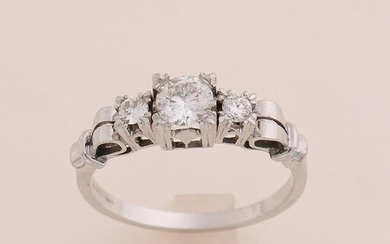 White gold solitaire ring, 585/000, with diamond. Ring