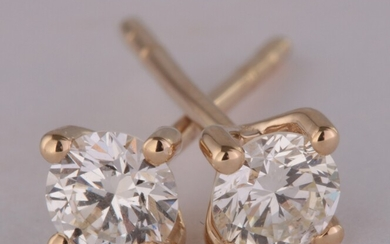Solitaire earrings 14kt with brilliant cut diamonds 0.40ct