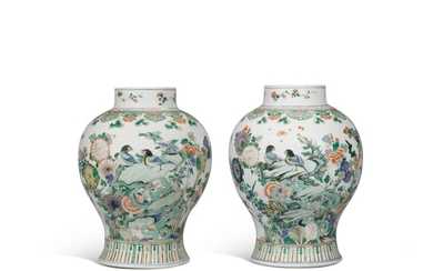 A pair of famille verte baluster jars, Qing dynasty, Kangxi period   清康熙 彩繪花鳥紋大罐一對, A pair of famille verte baluster jars, Qing dynasty, Kangxi period   清康熙 彩繪花鳥紋大罐一對