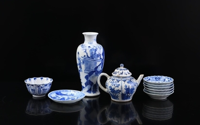 (-), Lot of various blue and white porcelain...