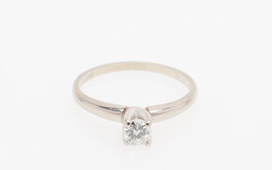SOLITARY RING WITH DIAMOND.