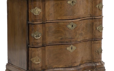 NOT SOLD. A German Baroque walnut chest-of-drawers. First half of the 18th century. H. 84. B. 80. D. 45. – Bruun Rasmussen Auctioneers of Fine Art