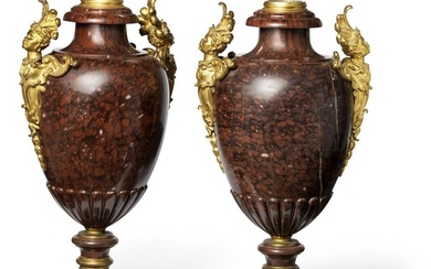 A pair of French Napoleon III red marble and gilt bronze mounted vases. Late 19th century. H. 60 cm. (2) – Bruun Rasmussen Auctioneers of Fine Art
