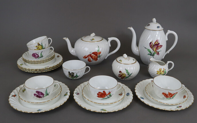 """COFFEE and TEA SERVICE for 6 people - NYMPHENBURG, 20th century, """"Gerippt""""."""