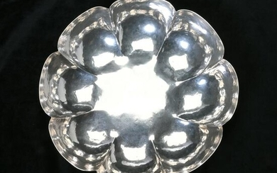 Mexican Maciel Hammered Lobed Sterling Silver Bowl.