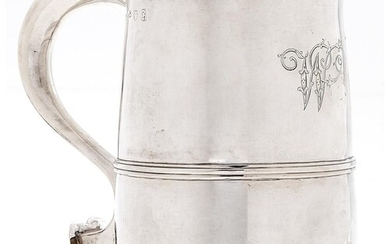 A George III silver mug, with reeded girdle, 15cm h, maker's...
