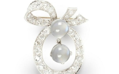An Early 20th Century diamond and moonstone brooch