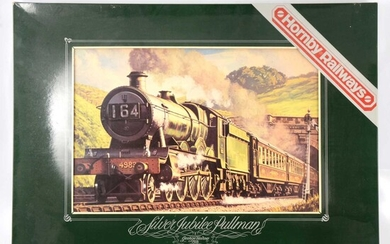 OO gauge model railway collection, mostly Hornby, including R687 Silver Jublee set