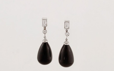 PAIR OF DIAMOND, ONYX AND GOLD EARRINGS