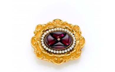 Silver and yellow 18K and 9K gold chiseled and embossed brooch finished with cabochon garnets and pearls, weighted inside, gross…Read more