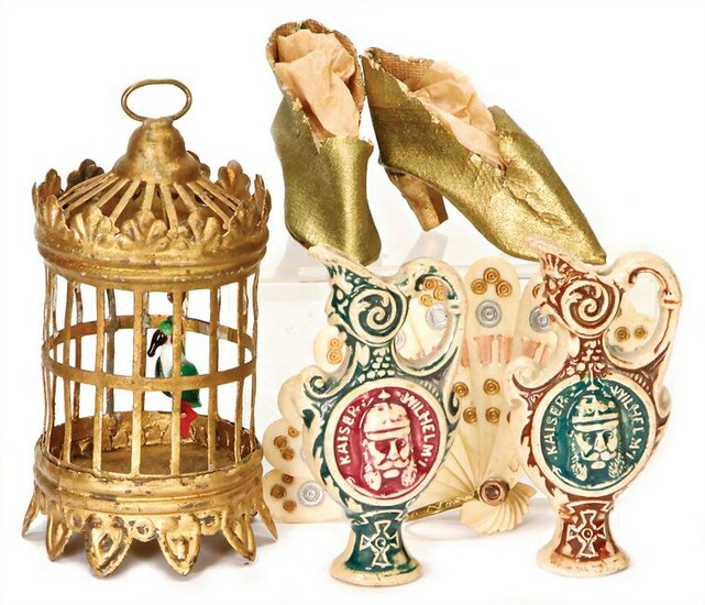 mixed lot of dollhouse decoration pieces, birdcage