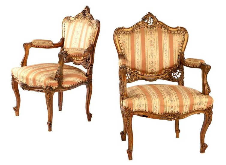2 gold-coloured walnut armchairs