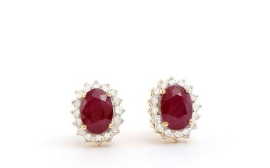 2.31 CTS CERTIFIED DIAMONDS & AFRICAN RUBY 14K YELLOW