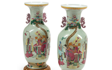 A PAIR OF CHINESE FAMILLE ROSE STYLE PORCELAIN VASES