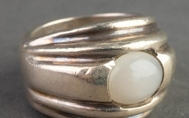 Mexican Sterling Silver & Moonstone Ring