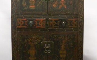 A LATE 18TH CENTURY CHINESE BLACK LACQUER 'HAT CHEST'