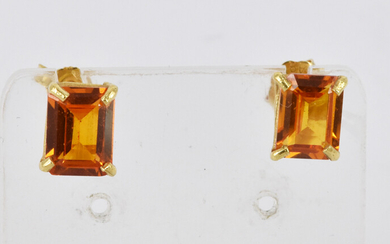 A PAIR OF EAR STUDS