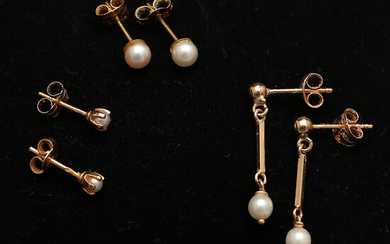 EARRINGS with pearls, 3 pairs, gold, 18 K, total weight 2. 19 grams.