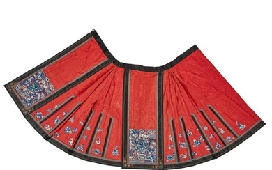 HAN CHINESE WOMAN'S EMBROIDERED RED SILK PLEATED SKIRT