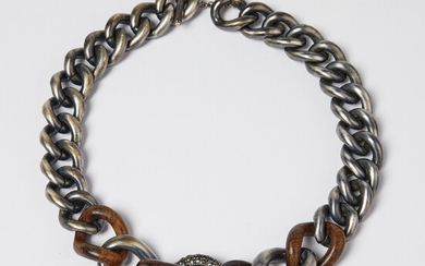 1911397. LANVIN, necklace of links.