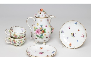A PAIR OF MEISSEN PORCELAIN CABINET CUPS AND SAUCERS, late 1...
