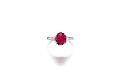 A VERY FINE 'PIGEON'S BLOOD' RUBY AND DIAMOND RING, TIFFANY & CO., CIRCA 1920