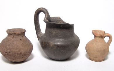 A lot of 3 ancient pottery vessels