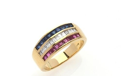 """RING """"Tricolor"""" in 750/°° yellow gold decorated with three lines..."""