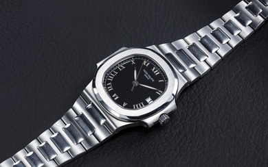 PATEK PHILIPPE, REF. 3800/1A-001, A STEEL NAUTILUS WITH BLACK DIAL AND ROMAN NUMERALS