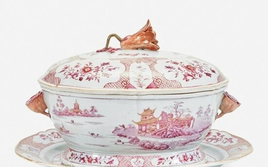 A Chinese export porcelain puce-decorated tureen