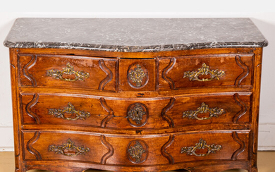 A French Provincial Louis XV Carved Walnut Commode, ca. 1800's