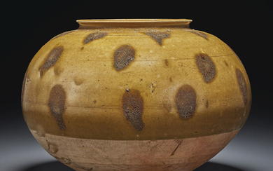 A RARE LARGE BROWN-SPOTTED GREYISH-GREEN-GLAZED JAR