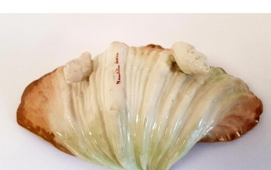 Nautilus Pottery Porcelain Hand-painted Oyster Shell, produc...
