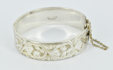 A CPS JEWELLERY COMPANY LTD STERLING SILVER HINGED BANGLE