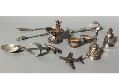 A quantity of small silver and white metal items including a...