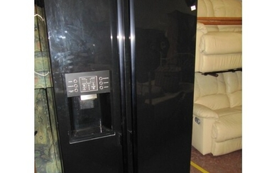Black Double Door American Fridge Freezer With Water Dispens...
