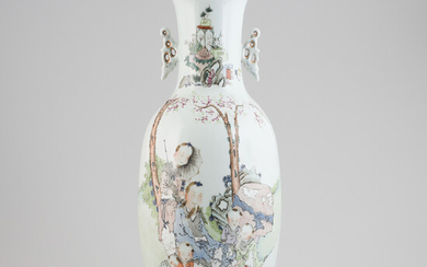 A Chinese large vase, mid 20th century.