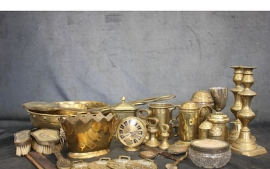 A quantity of copper and brass to include shallow pan, a mea...