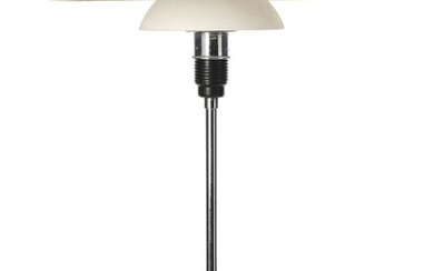 """Poul Henningsen: """"PH-4,5/3"""". Table lamp of chromed metal. Socket house and switch house with click button switch of brown bakelite. – Bruun Rasmussen Auctioneers of Fine Art"""