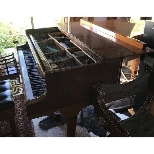 Steinway (c1985) A 6ft 11in Model B grand piano in a bright ...