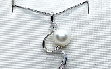 18 kt. Freshwater pearl, Natural pearl, White gold - Necklace with pendant - Diamonds