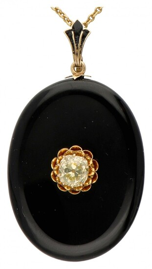 18K. Yellow gold necklace with antique onyx medallion pendant set with approx. 2.40 ct. diamond....
