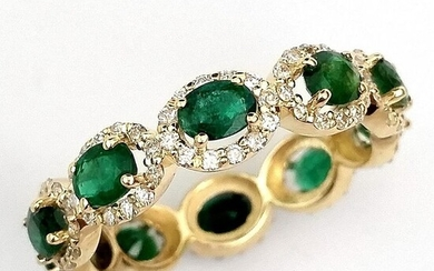 Elegant 2.26ct Emeralds and Diamonds - 14 kt. Yellow gold - Ring - ***No Reserve Price***