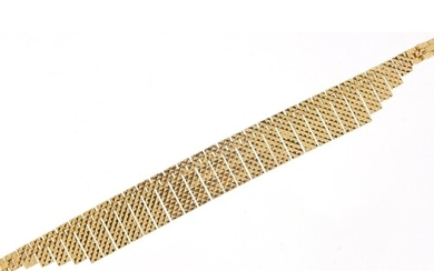 9ct gold Egyptian design necklace, 43cm in length, 34.0g