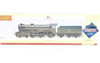 A Boxed Hornby BR 4-6-0 Class B17/6 Manchester United Weat...
