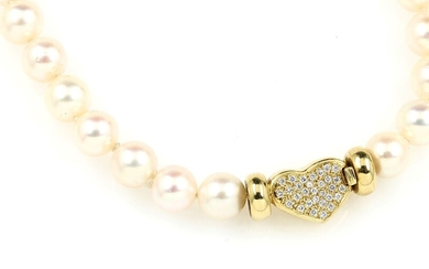 Cultured pearls necklace 18 kt gold clasp with...