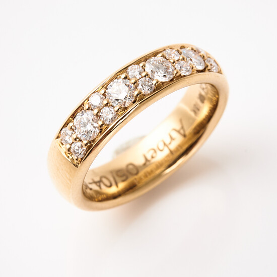 RING, 18 k gold, decoration of 14 brilliant cut diamonds, total 0. 60 ct, quality W (H) / VS-SI, Schalins.
